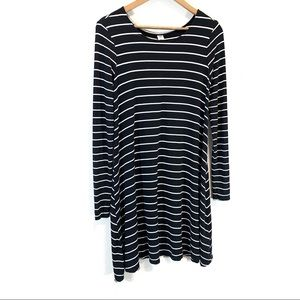 Old Navy Dresses - Old Navy • Long-Sleeve Sweater Dress
